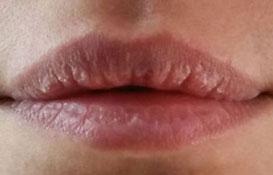 lip light contour des lèvres non définitif